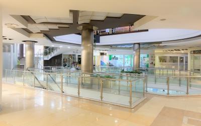 Zyra & Ambjente Biznesi  Me Qira - Adresa:  50 METRA NGA KRYEMINISTRIA Tirane