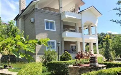 Vila Vilë Me Qira - Adresa: NË VISHNJE, TIRANË Tirane