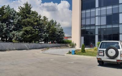 Magazina  Me Qira - Adresa: AUTOSTRADA TIRANE – DURRES KM 5 Tirane