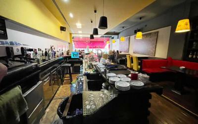 "Bar-Restorant  Me Qira - Adresa: NË RRUGEN ""MYSLYM SHYRI"" Tirane"